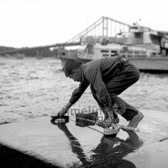 Junger Angler am Dnjepr in Kiew, 1967 Juergen/Timeline Images #Fischer #Fischerei #Angler #Angeln #Fisch #Fischen #Fishing #Fisher #Fishery #Fish #Hafen #Fluss #Angelrute #Junge #Ukraine