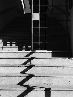 squareDrop #vscocam #blackandwhite #geometric #lisbon | #bw #blackandwhite #black #white #iphoneography