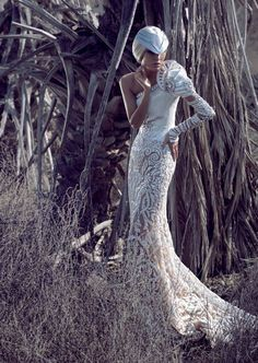 Amazing couture @}-,-;--