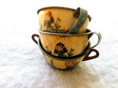 20 OFF SALE Vintage Ohio Art Toy Tin Cups set  cup by emmylucy, $18.00