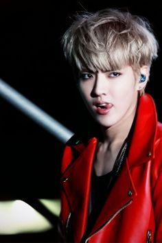 Kris. When he does this tongue thing. Like damn.