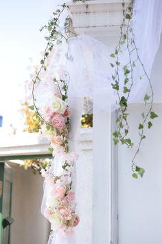 春の装花 マダムトキ様へ 花は花ではなく、心を形にする手段 : 一会 ウエディングの花