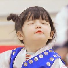 Little Babies, Cute Babies, Baby Kids, Cute Baby Girl Pictures, Cute Girls, Superman Kids, Cute Kids Photography, Eden Park, Baby Park