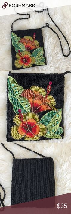 """Vintage Tropical Purse Tropical beaded crossbody purse. Perfect condition!  7"""" high x 6"""" wide with a 24"""" drop Vintage Bags Crossbody Bags"""