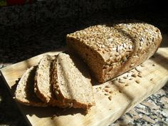 Pan integral con semillas de girasol.