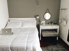 Apartamento pequeno inspirado no design escandinavo / quarto insdutrial e minimalista - Tudo Orna Small Room Bedroom, Home Bedroom, Room Decor Bedroom, Dream Rooms, Dream Bedroom, Wc Decoration, Minimalist Bedroom, New Room, Interior Design