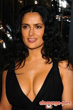 in honor of her new film Savages, here's some salma hayek cleavage!