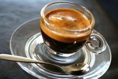 [Study] Coffee stimulates long-term memory http://www.theguardian.com/science/2014/jan/12/coffee-boost-brain-long-term-memories  [Étude] Le café stimulerait la mémoire à long terme http://www.lemonde.fr/sciences/article/2014/01/12/un-petit-cafe-pour-mieux-se-souvenir_4346717_1650684.html?xtmc=cafe&xtcr=4# www.handpresso.com