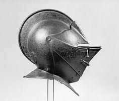 French_-_Bulletproof_Close_Helmet_-_Walters_51463.jpg (1800×1539)