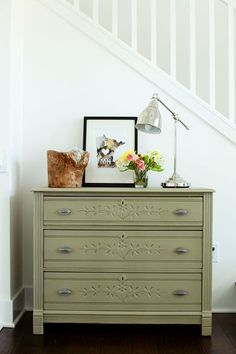 What color to paint your furniture? (25 DIY Projects) - @Jackie Godbold Applegate Cutts