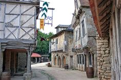 Le Puy du fou Village médiéval (amusement park in France) by laurent KB, via Flickr