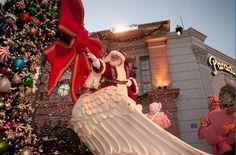 Where can I meet Santa at Universal Orlando?