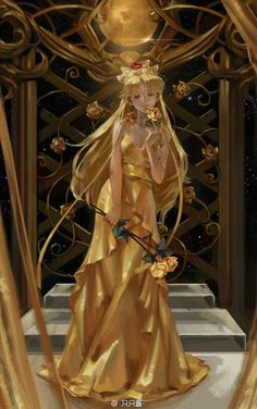 Seilor Moon in gold