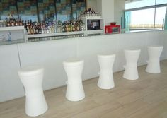 Usos para una buhardilla Ibiza, Home Decor, Restaurants, Stools, Barbell, Decoration Home, Room Decor, Home Interior Design, Ibiza Town