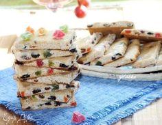Лакомое печенье «Лекерли» . Ингредиенты: мед, мука, орехи