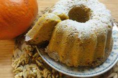 Jak upéct bábovku z dýně | recept Sweet Cakes, Banana Bread, French Toast, Food And Drink, Breakfast, Desserts, Recipes, Hokkaido, Morning Coffee