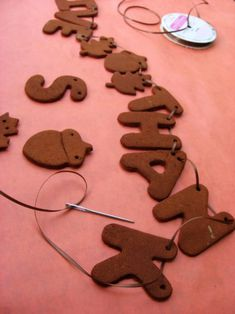 Make a garland out of cinnamon dough.