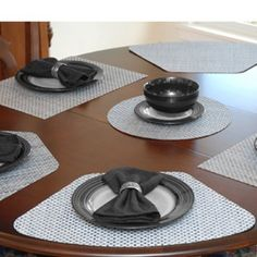 Sliver Grey Wedge Shaped Placemat For Round Tables Place