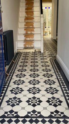 Entrance Hall Decor, Hallway Ideas Entrance Narrow, Edwardian House, Victorian Homes, Tiled Hallway, Modern Hallway, Narrow Hallway Decorating, Victorian Hallway, Entryway Flooring