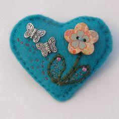 Felt heart hand sewn flower brooch - £6.00 + postage    http://www.elliestreasures.co.uk