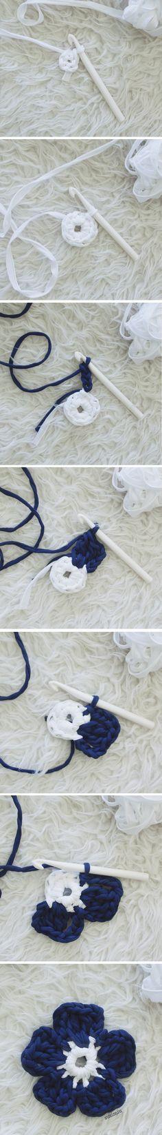 SusiMiu | Patrón de Alfombra de Trapillo Modelo Camelia (redonda con flores)