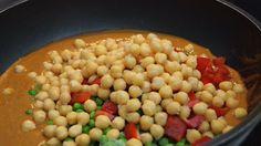 Ein schnell und einfach zubereitetes Gericht mit einer Menge pflanzlichen Eiweiß und Gemüse. Ein Muss für jeden Rezepte-Fan der asiatischen Küche!