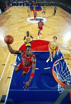 Michael Jordan Dunk Chicago Bulls Los Angeles Lakers Michael Cooper Horace Grant Kurt Rambis John Paxon