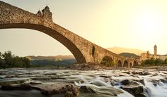 Ponte Gobbo – Bobbio, Emilia Romagna Beyond monuments and churches, palaces and museums Italy also boasts many wonderful and ancient bridges where engineering truly meets nature. From the North to the South, Swide has rounded up some of the most enchanting and beautiful bridges across Italy.