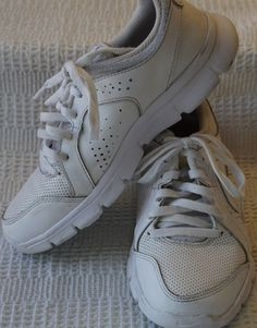 16b21af9170 NIKE 6314950 100 FLEX EXPERIENCE Kids White Lace Up Sneaker Shoes Sz. 4.5 1