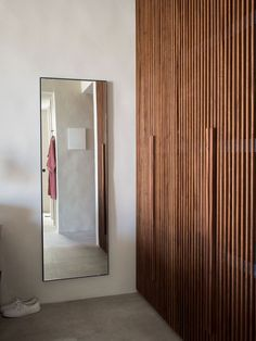 We just got back from a relaxing week at Casa Cook Kos, a beach-side boutique resort just outside Marmari on the island of Kos. Wardrobe Door Designs, Wardrobe Design Bedroom, Wardrobe Doors, Closet Bedroom, Wood Closet Doors, Flur Design, Casa Cook, Timber Slats, Bedroom False Ceiling Design