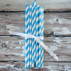 bright blue paper straws back in stock!