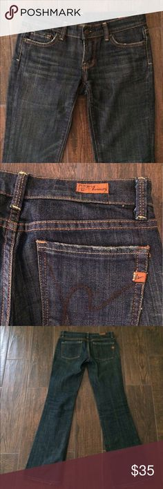 """Citizens of Humanity Kelly 001 bootcut Final sale price. Citizens of Humanity Kelly #001 . Low Rise. Bootcut jeans. Dark wash. 31"""" inseam. Zipper is broken, but easy to fix. To be honest, the zipper is so short that I wore it unzipped. From a smoke and pet free home. Citizens of Humanity Jeans Boot Cut"""