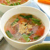 レンジで5分なべいらず!トマトとニラの春雨スープ