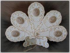 eventail_camee_maison_marron - Marianne Creatables Design Die Handmade Card
