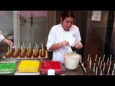 Mickey Mouse Caramel Apples / Video Tutorial