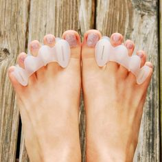 - Description - Features - Sizing - Resources A Natural Solution to Foot Problems Correct Toes toe spacers, made of medical-grade silicone, restore proper toe alignment, prevent overpronation, and hel Ingrown Hair Remedies, Morton's Neuroma, Runners Knee, Hammer Toe, Ingrown Toe Nail, Nail Effects, Shin Splints, Foot Pain, Alternative Health