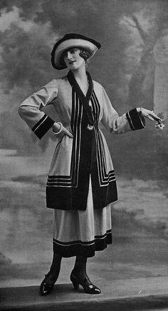 "1920 - ""Merle Blanc"" Nicole Groult day ensemble in Les Modes (Paris) Fashion 60s, Edwardian Fashion, Art Deco Fashion, Fashion History, Vintage Fashion, Vintage Outfits, 1920s Outfits, Vintage Dresses, Vintage Clothing"