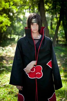Itachi Uchiha cosplay, and a really good one imo! #naruto #cosplay