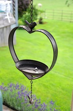 Enhance your garden with this black Venice Rustic Hanging bird feeder. The beautiful cast iron feeder is ideal for any garden - simply hang up and watch the birds come. Can also be used to hold tea lights!! Only £13.50