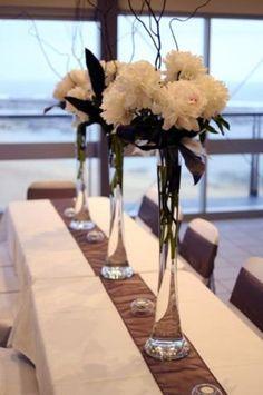 Decoration Table, Reception Decorations, Event Decor, Wedding Centerpieces, Wedding Table, Wedding Reception, Tall Flower Centerpieces, Tall Vases, Centrepieces