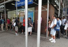 NYC baseball fans turn out for special event at #DuaneReade #shop #cbias