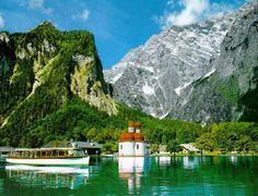 Amazingly green water in real life. The Bavarian Alps!