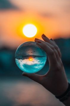 If you are new to sunset photography, then here are some Peaceful Examples of Sunset Photography you can try out. Sunset photography is a hobby that is popular Glass Photography, Photography Themes, Exposure Photography, Sunset Photography, Creative Photography, Amazing Photography, Molduras Vintage, Fractal, Artsy Photos