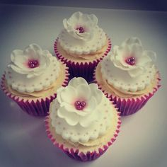Flower Cupcakes - Beanie's Bakery