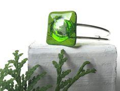 Green Leaf Bracelet, Leaf Bracelet, tree Bracelet, Nature Bracelet, Green Leaf, Moss Green Bracelet, green cuff bracelet, floral bracelet by thejeremiahtreeglass. Explore more products on http://thejeremiahtreeglass.etsy.com