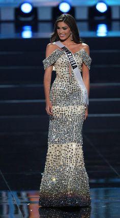 Gabriela Isler Miss Universe 2013 Pageant Girls, Pageant Dresses, Sexy Dresses, Nice Dresses, Formal Dresses, Miss Universe Gowns, Venezuelan Women, Award Show Dresses, Beauty Pageant