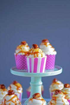 Caramel-Macadamia Cupcakes | City-Cupcakes