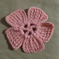Crochet a Pretty and Super Easy Large Flower