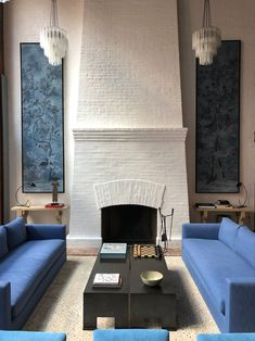ASHE LEANDRO Paint Fireplace, Brick Fireplace Makeover, Fireplace Design, Fireplace Ideas, Living Room Sofa, Living Spaces, Hotel Decor, Piece A Vivre, Elle Decor