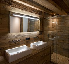rustic materials in bath + nice vanity lighting Chalet Design, House Design, Ad Architectural Digest, Chalet Interior, Bathroom Interior Design, House Rooms, Small Bathroom, Interior Architecture, Building A House